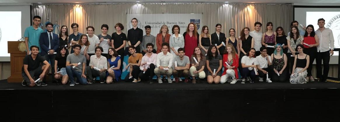 Imagen de la noticia >Más de 300 alumnos de la UBA, destacados por otras instituciones
