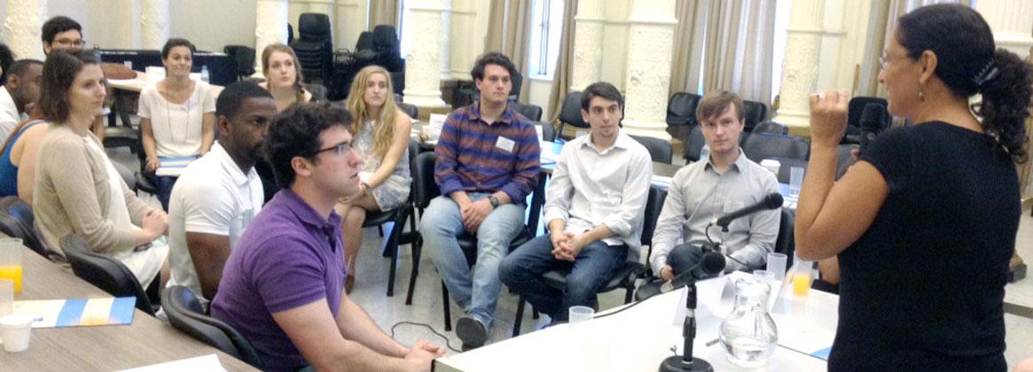 Imagen de la noticia >Seminarios para profesores universitarios
