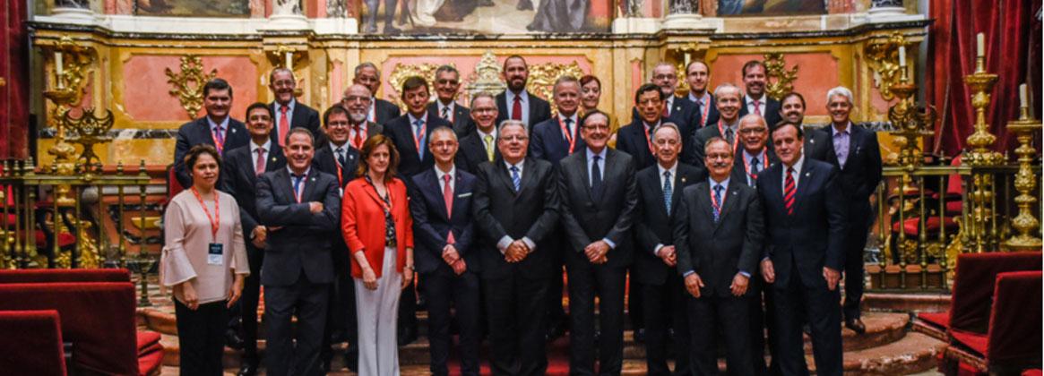 Imagen de la noticia >El rector Alberto Barbieri fue reelecto presidente de la RedEmprendia