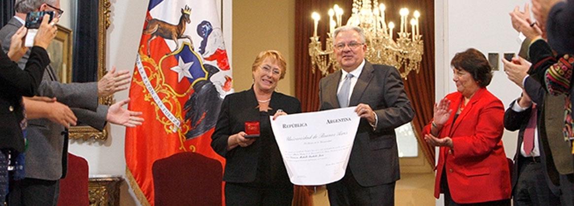 Imagen de la noticia Michelle Bachelet recibió el título de Doctor Honoris Causa de la UBA