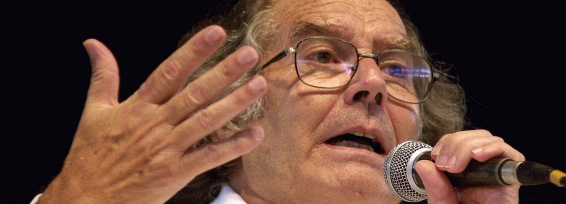 Imagen de la noticia Hace 35 años Adolfo Pérez Esquivel recibía el Premio Nobel de la Paz