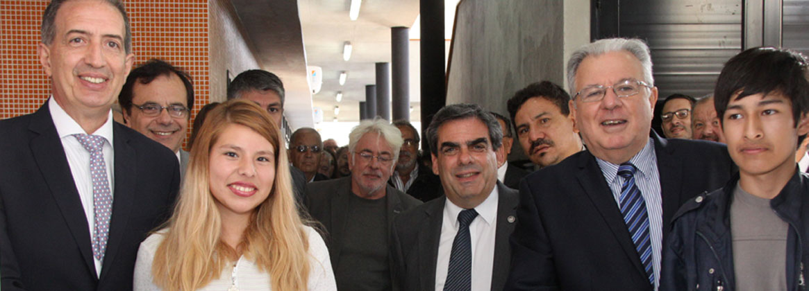 Imagen de la noticia >Se inauguró una nueva etapa de la Escuela de Educación Técnica de Villa Lugano