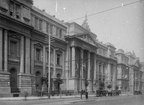 Facultad De Medicina  UBA Image: Archivo De La UBA: Fotos 1880-1990